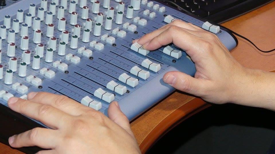 Como hacer la realización de un programa musical de Radio